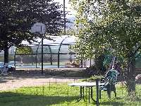 Gîte Moser. Cour et piscine