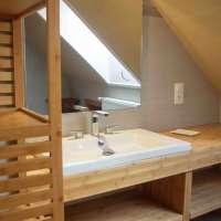 salle de bains commune chambre 2 et 3 avec wc séparé