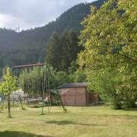 Location Elise - jardin avec portique balançoire